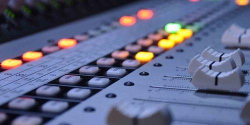 Історія аудіо-відео служіння
