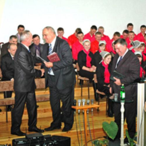 Церква села Карпилівка привітала свого пастора з ювілеєм