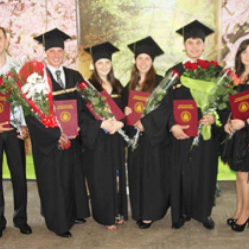 У Коростенському Біблійному коледжі відбувся випуск