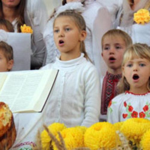 Плід, що виростав 20 років – привітати з ювілеєм церкву ХВЄ у Тарасівці прийшла влада і сільська інтелігенція