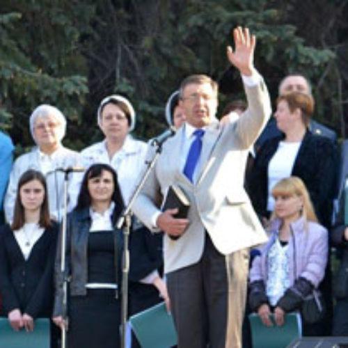 Міжконфесійна хресна хода та богослужіння пройшла на Пасху у Запоріжжі, Херсоні та Дніпропетровську