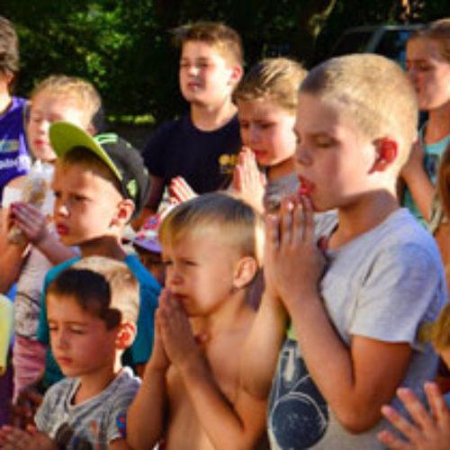 Дитяча євангелізація: служителі діляться свідоцтвами про Божі діла влітку 2016 р.