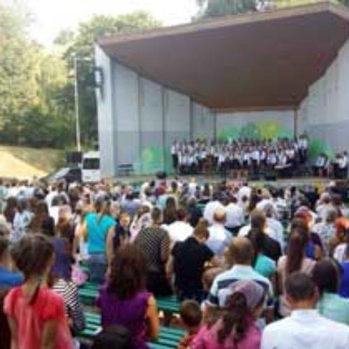У Рівному християни провели паркове Свято родини