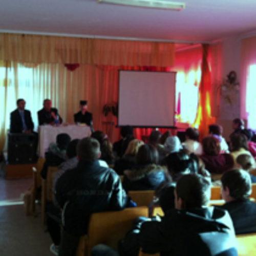 На Надвірнянщині відбулася зустріч учнів 8-11 класів із священнослужителями
