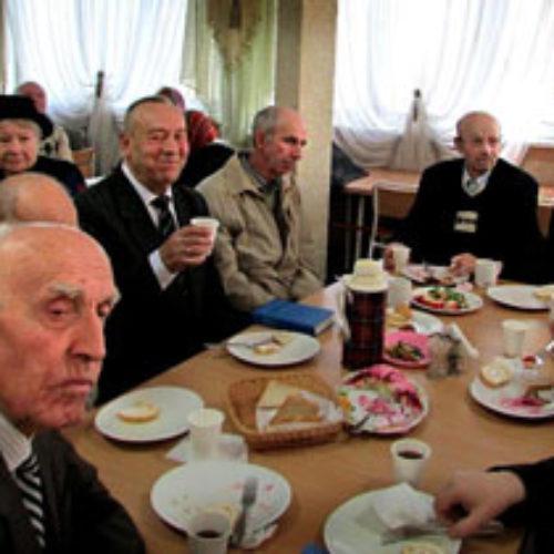 «Коли церква йде до людей» – фрагменти зустрічі для літніх мешканців Івано-Франківська