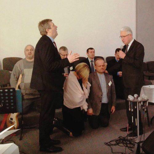 У Київській області старшим пресвітером обрано пастора з Вишгорода Олександра Озеругу